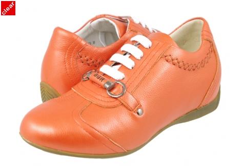 کفش های پاشنه مخفی و افزایش قد زنانه
