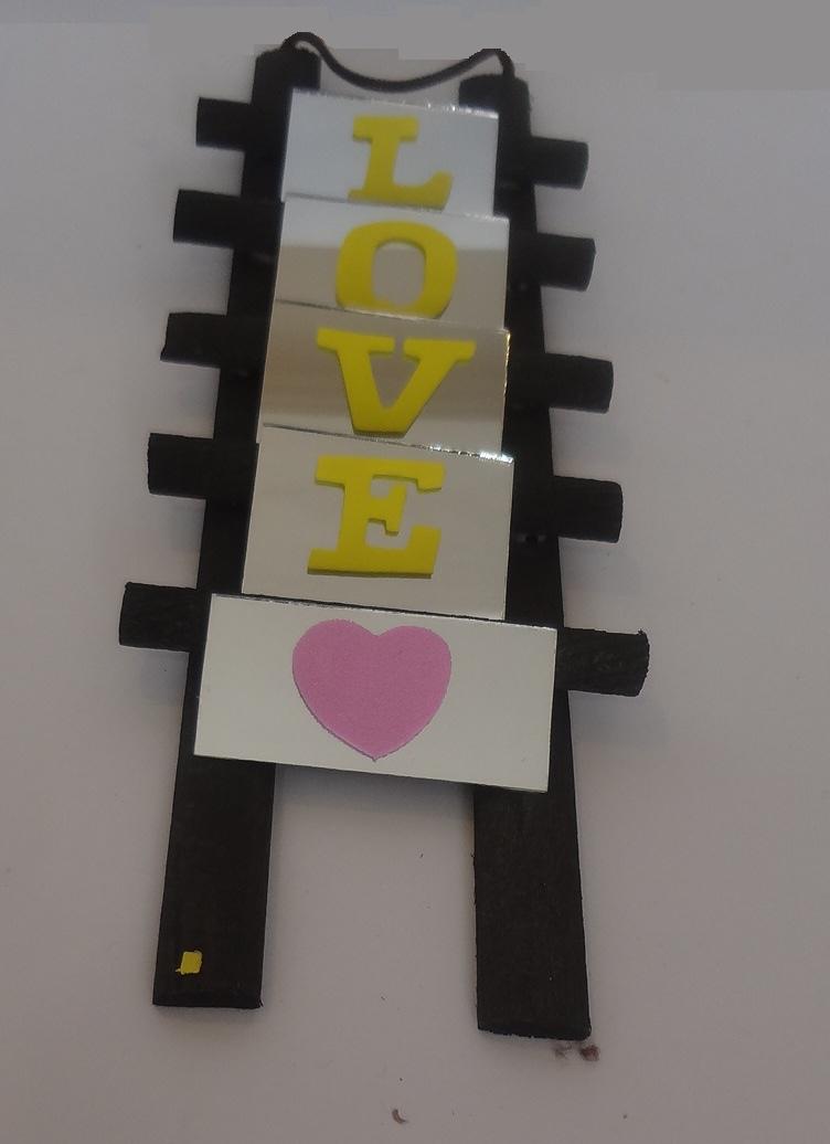 LOVE نردبانی