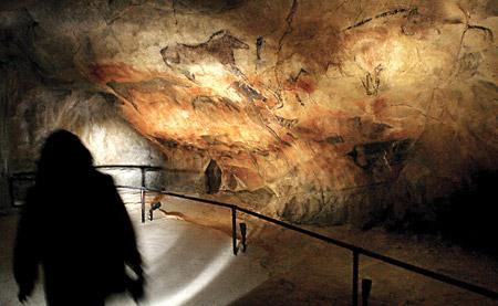 غار افسانهای التمیرا