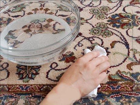 نظافت فرش با مواد طبیعی