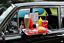 میز غذاخوری آویز دار ماشین