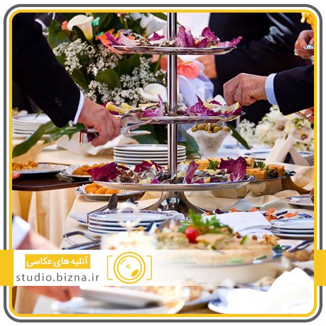 پذیرایی مهمانان در عروسی