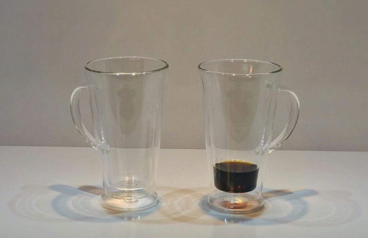 لیوان دوجداره ی دسته دار