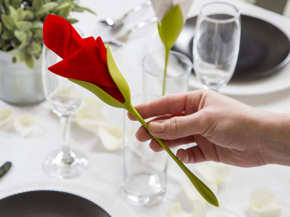 نگهدارنده ی دستمال سفره طرح گل رز