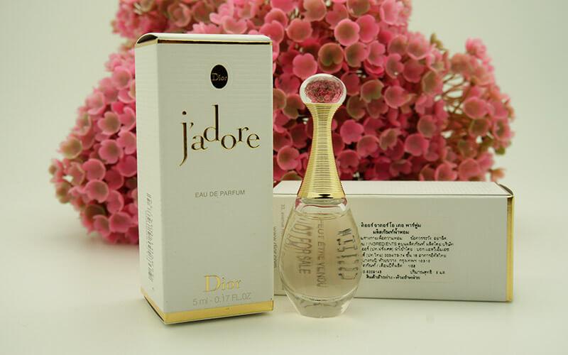 ادکلن کریستین دیور جادور   Christian Dior Jadore for women