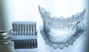 همه چیز در مورد استفاده از روش درمانی ارتودنسی دندان ژله ای