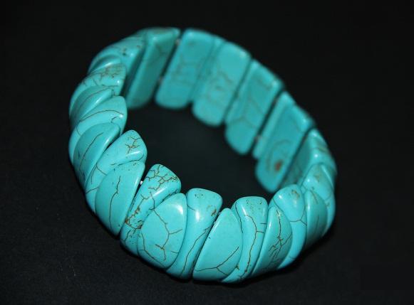 دستبند زیبا و شفا بخش از سنگ فیروزه 2 عدد