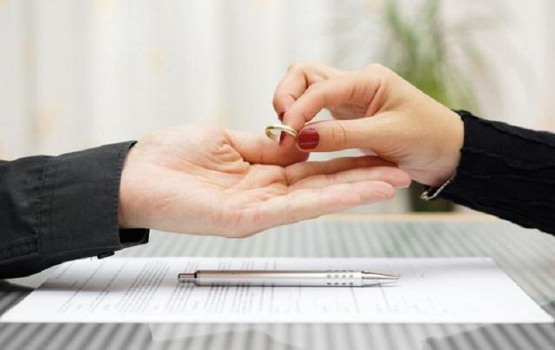 شرایط طلاق زن بدون اجازه شوهر
